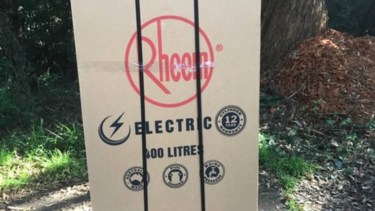Rheem 492400 400L Electric Hot Water System Delivery